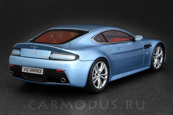 Aston Martin Vantage V12 (2009) – Spark 1:43