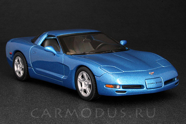 Chevrolet Corvette C5 Coupe (1997) – MINICHAMPS 1:43