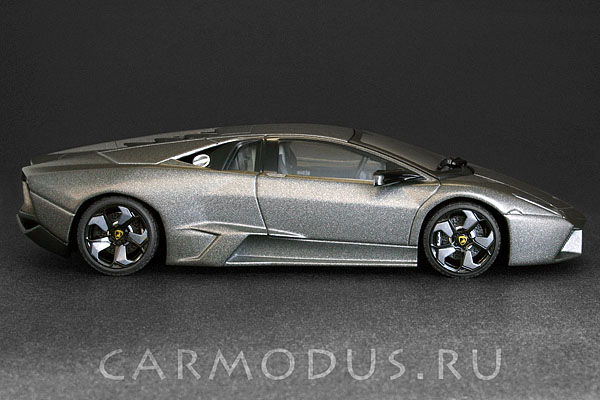 Lamborghini Reventon (2007) – AUTOart 1:43