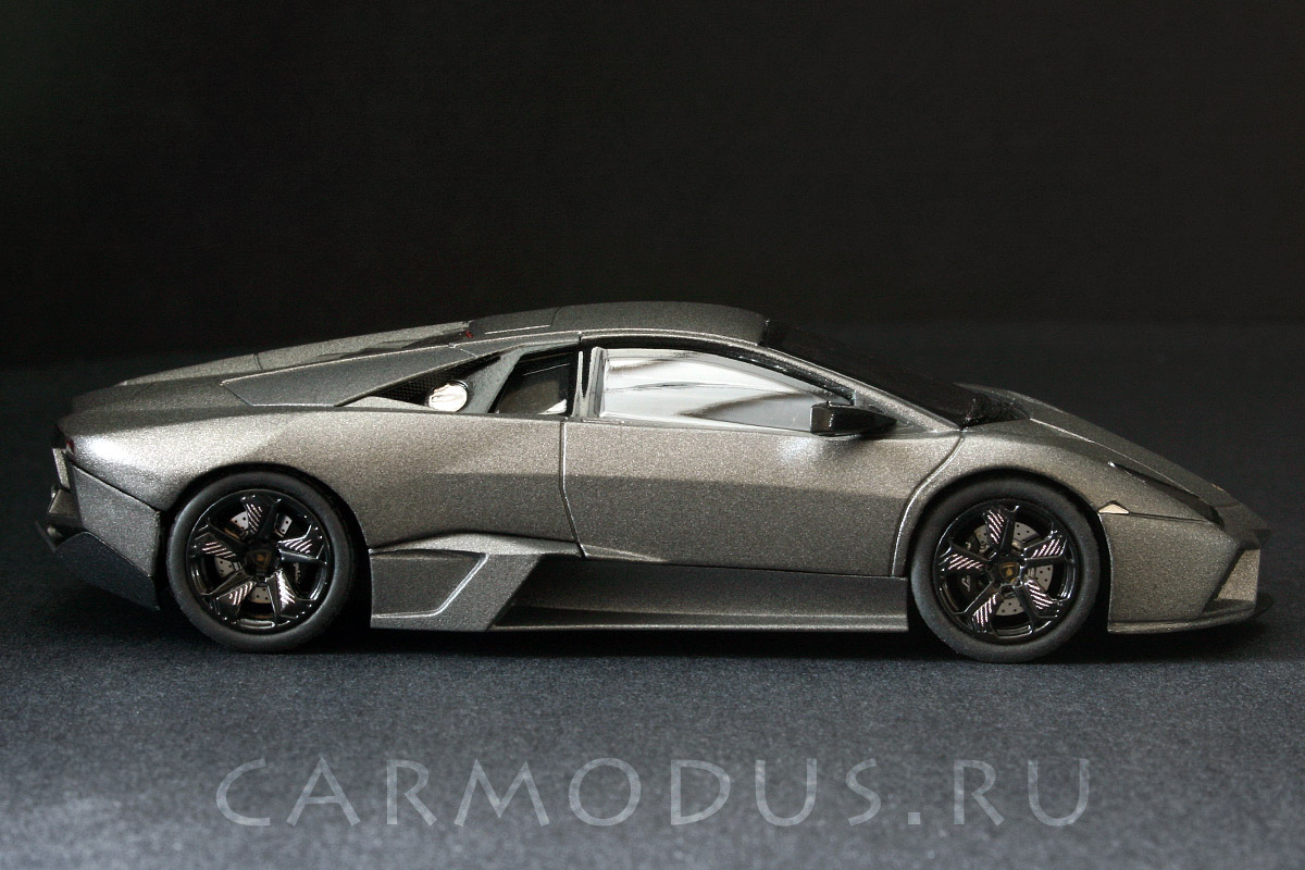 Lamborghini Reventon (2007) – Hot Wheels 1:43