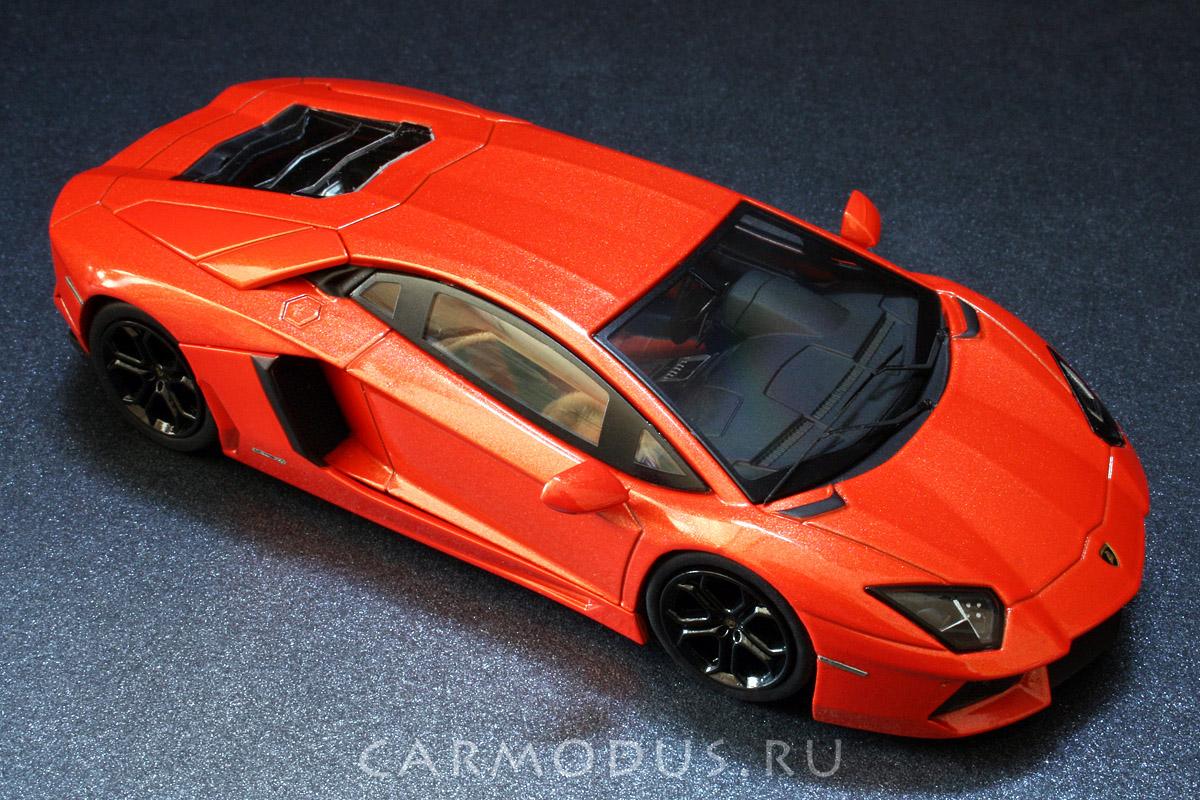 Lamborghini Aventador LP700-4 (2011) – Hot Wheels 1:43