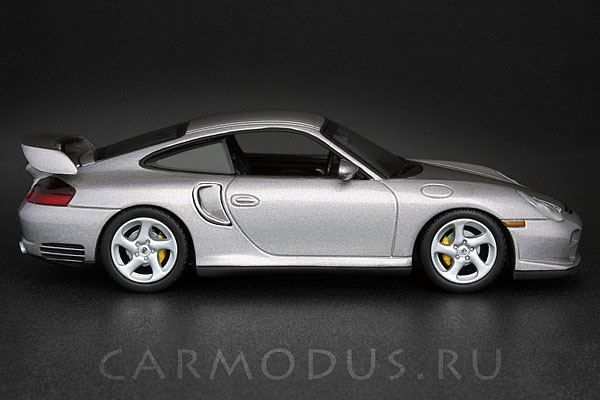 Porsche 911 GT2 (2001) – MINICHAMPS 1:43